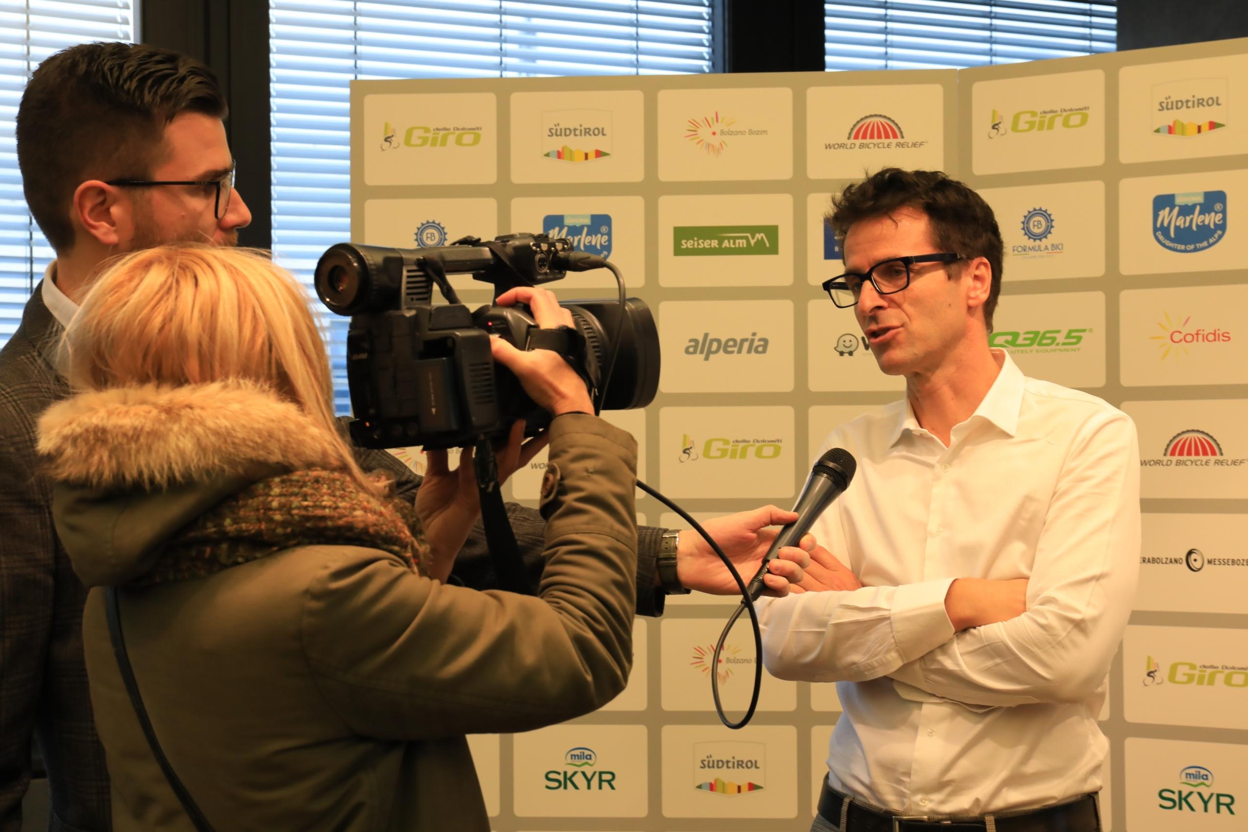 Foto della conferenza stampa del Giro delle Dolomiti 2020